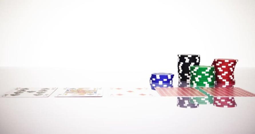 Comprenda la regla del Blackjack Soft 17 en los juegos de azar en línea